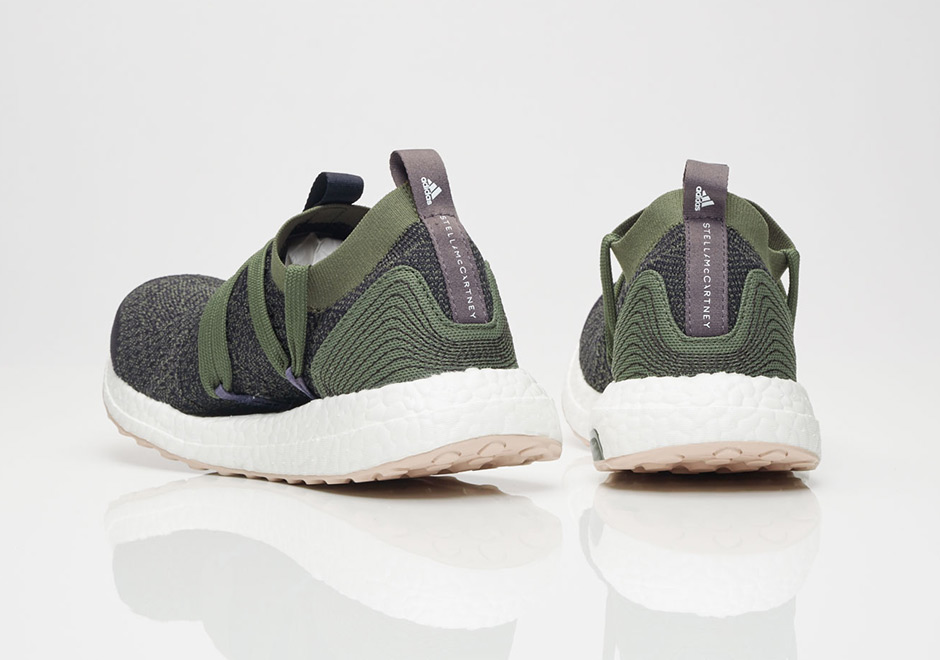 Revealing a new color scheme for Pure BOOST X and Ultra BOOST X in adidas x Stella McCartney collab