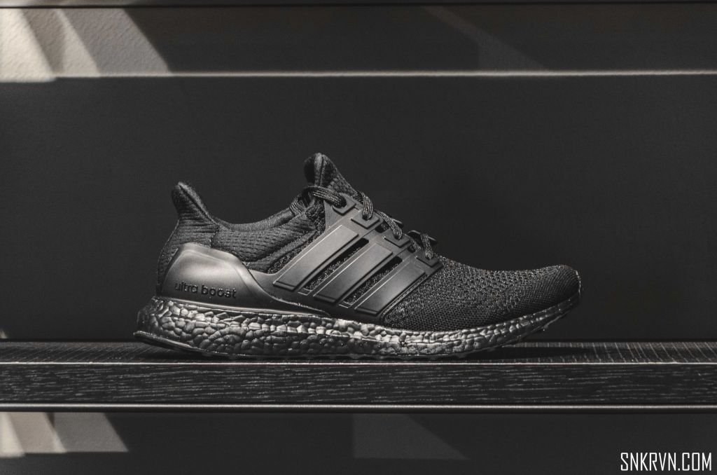 """[Quick Review] Highlights of the Ultra Boost """"Triple Black"""" version"""