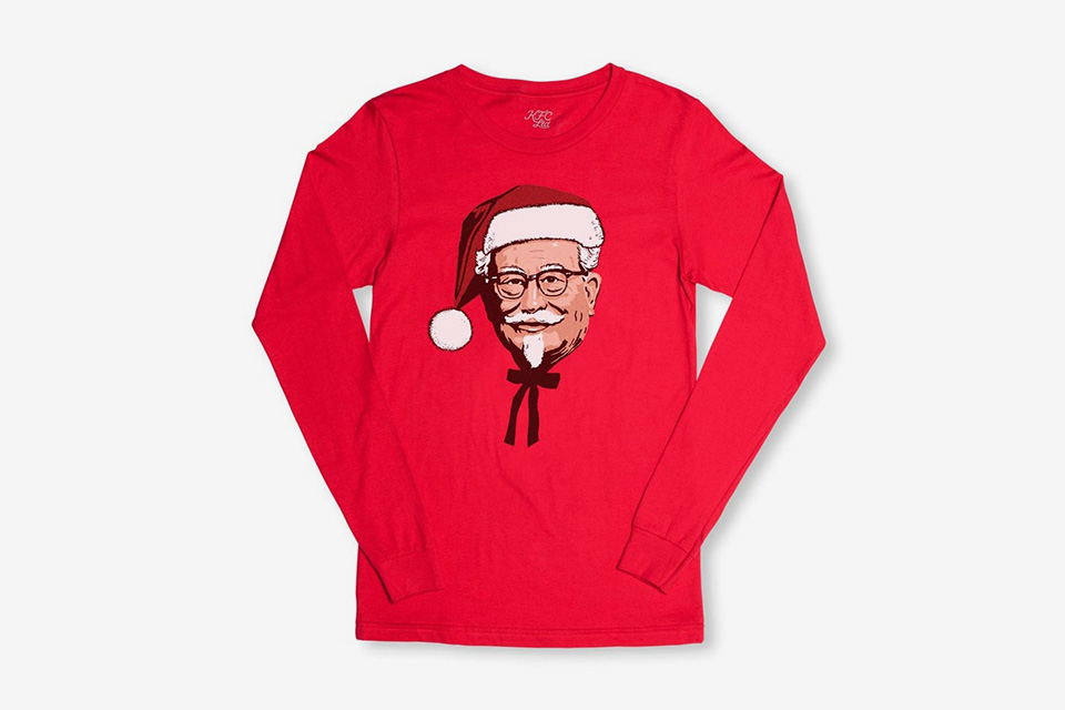 """KFC launches a set of products for the Christmas season - """"Delicious with your fingers""""."""